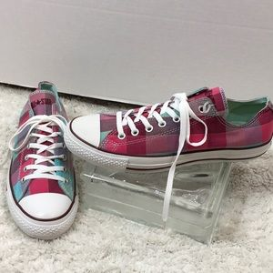 Converse plaid low top sneakers